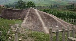 ancien-amas-de-pierre